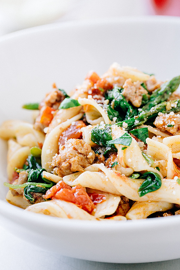 Bistro Pasta with Spicy Italian Sausage   thecozyapron.com