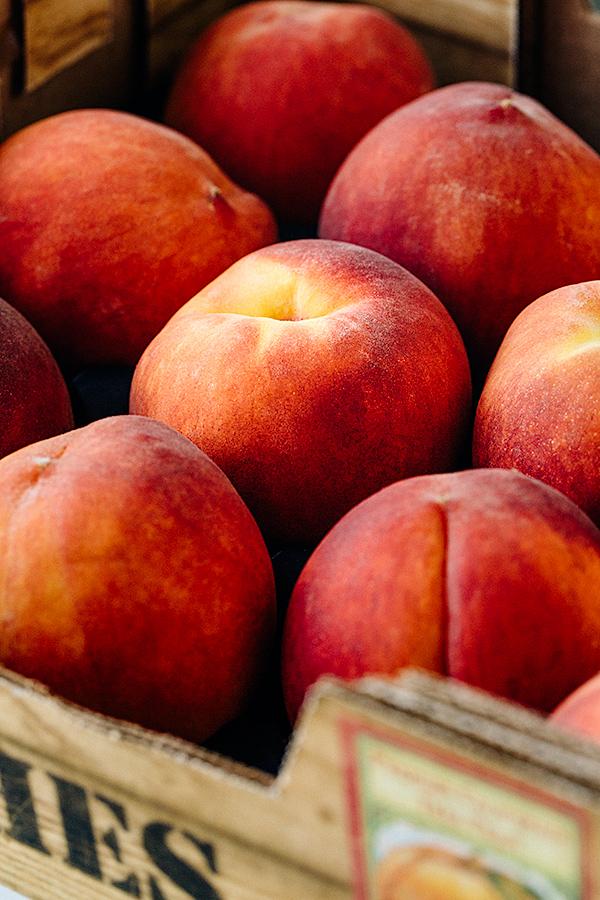 Peaches | thecozyapron.com