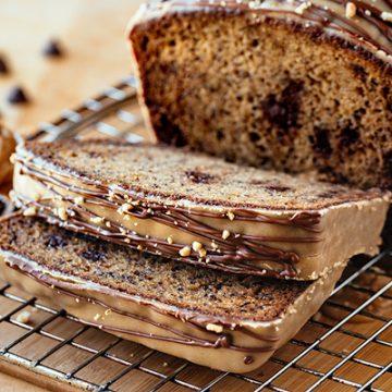 Chocolate Chip Banana Bread | thecozyapron.com