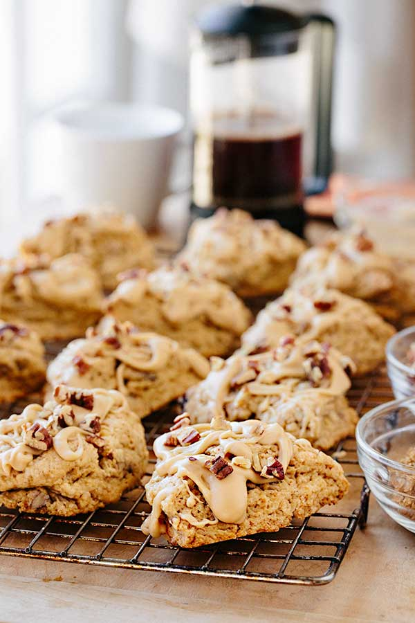 Maple Pecan Scones | thecozyapron.com