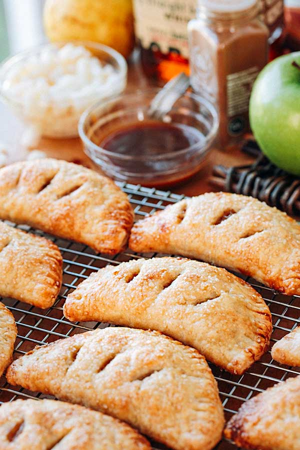 Apple and Pear Hand Pies | thecozyapron.com