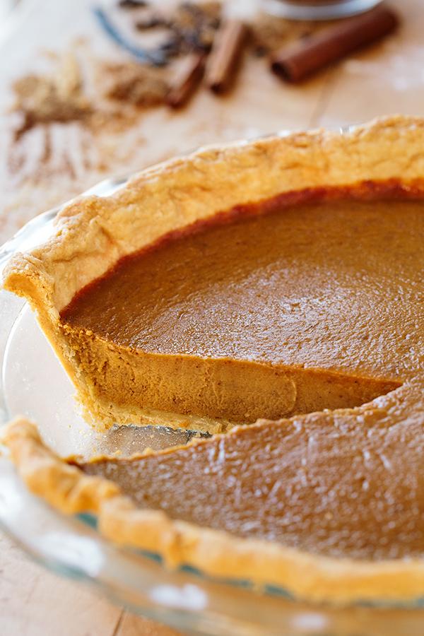 The Perfect Pumpkin Pie | thecozyapron.com