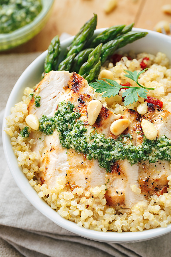 Lemon Chicken Pesto Bowls | thecozyapron.com