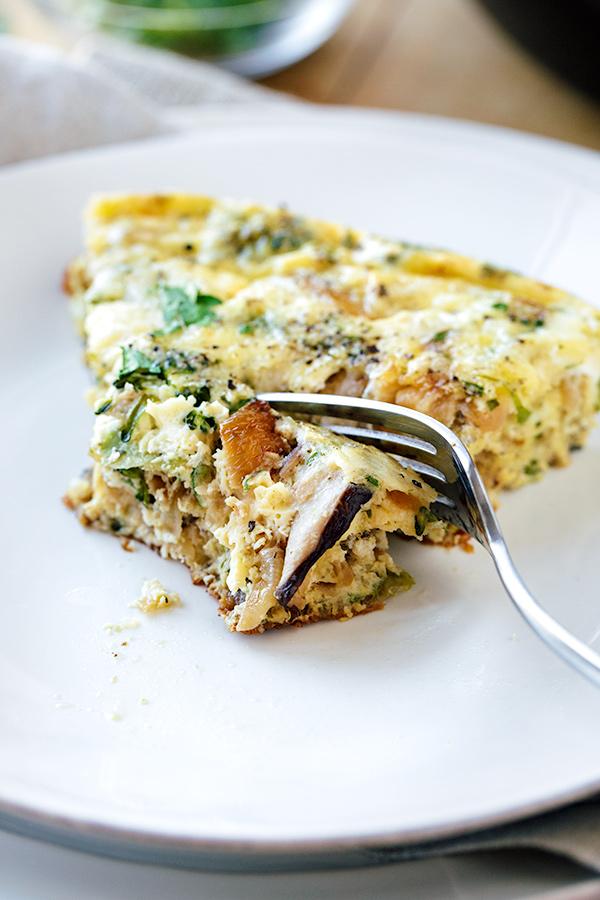 Breakfast Frittata | thecozyapron.com