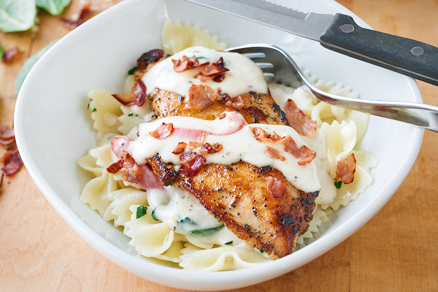 Chicken in Roasted Garlic Cream Sauce | thecozyapron.com