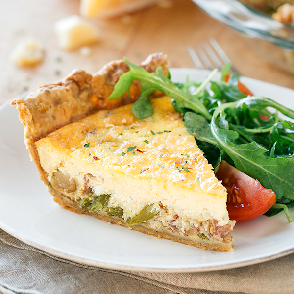 Asparagus Quiche with Salad | thecozyapron.com