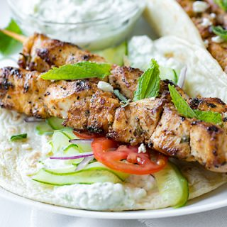 Chicken Kebab Wraps with Easy Tzatziki Sauce | thecozyapron.com