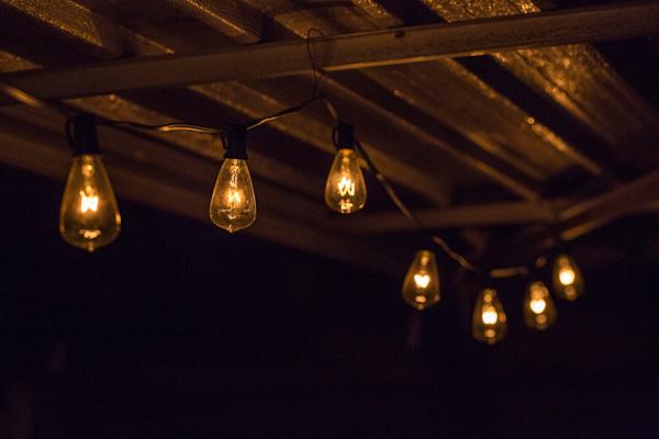 Edison Lights | thecozyapron.com