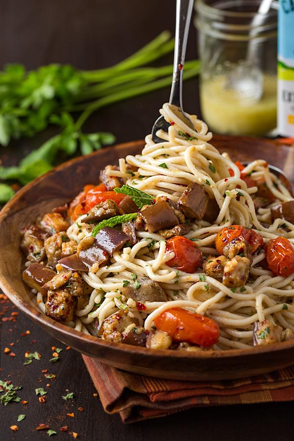 Gluten-Free Pasta Salad Mediterranean Style | thecozyapron.com