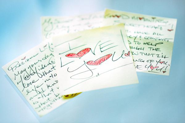 Sticky Love Notes | thecozyapron.com