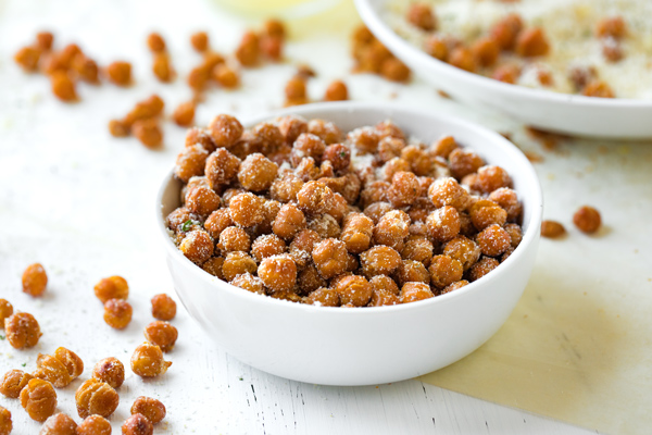 Roasted Chickpeas with Savory Garlic Parmesan Seasoning
