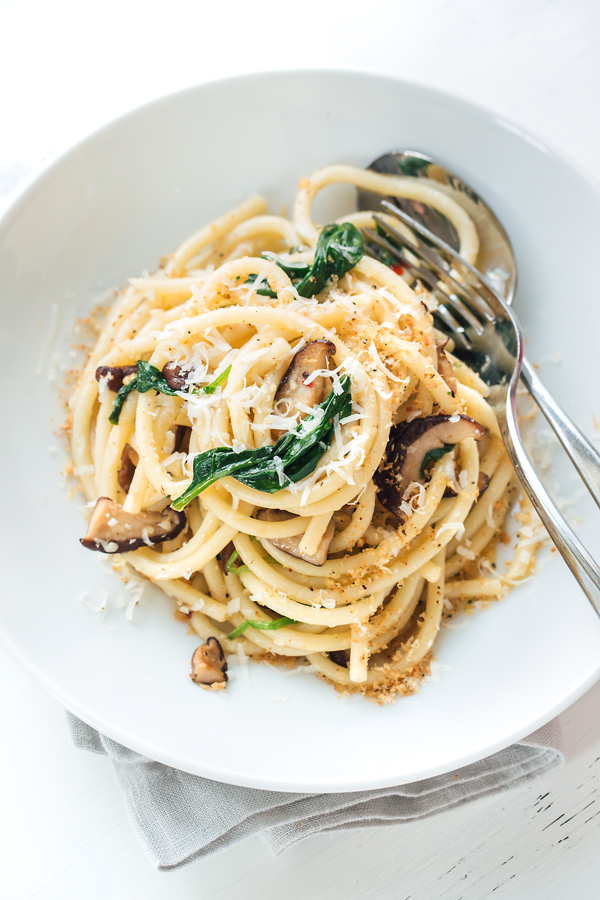 Bucatini Pasta with Garlic Butter Sauce | thecozyapron.com