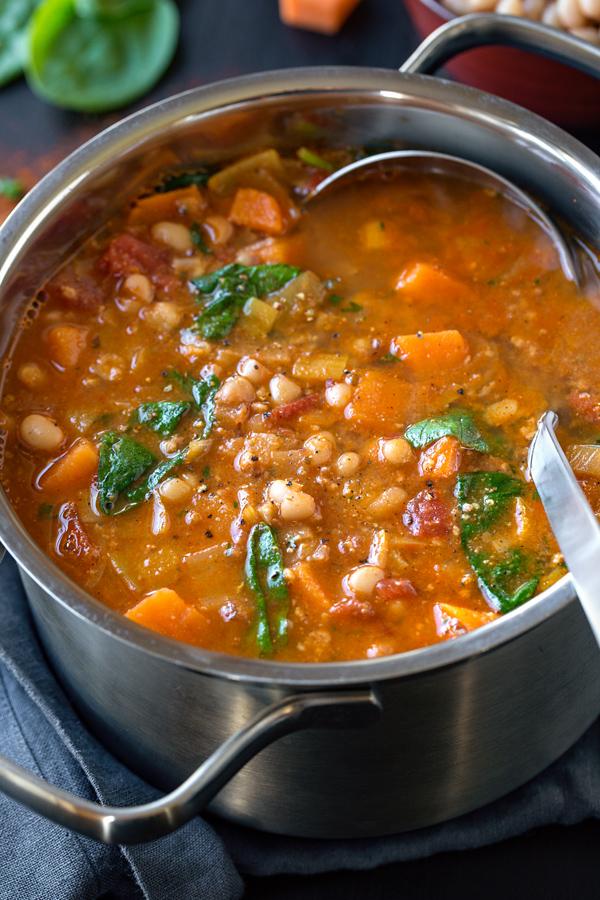White Bean Soup with Spicy Chorizo | thecozyapron.com