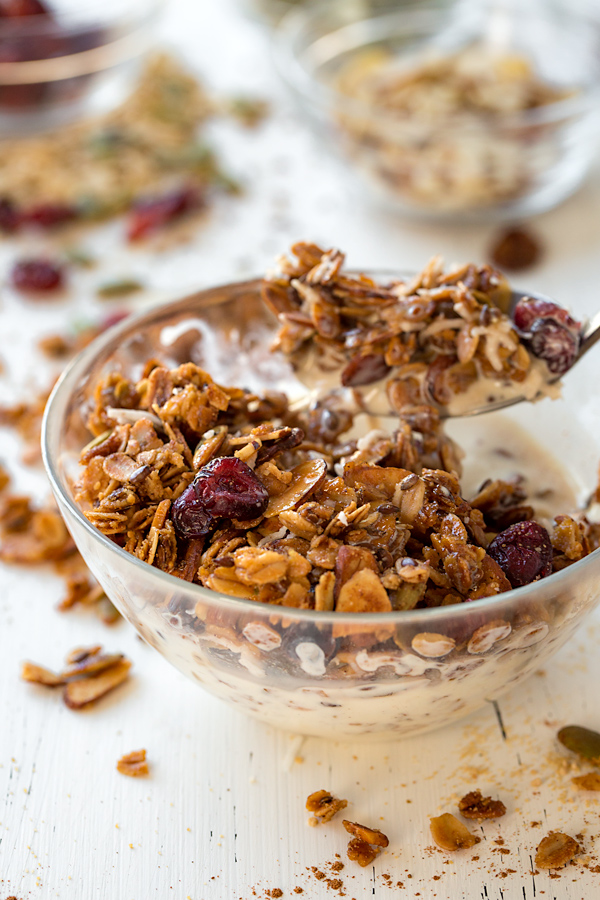 Homemade Granola with Pumpkin Pie Spice | thecozyapron.com