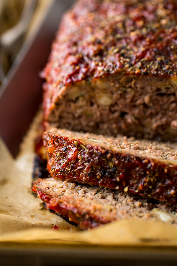 How to Make Meatloaf | thecozyapron.com