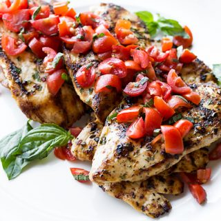 Grilled Chicken with Tomato-Basil Salsa | thecozyapron.com