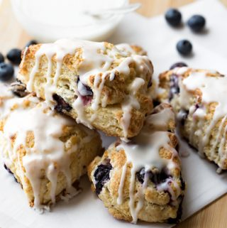 Blueberry Scones | thecozyapron.com