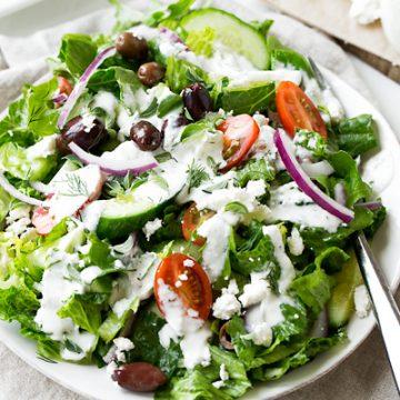 Greek Salad | thecozyapron.com