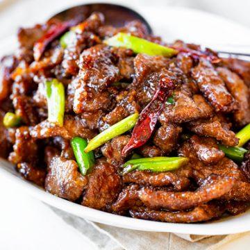 Mongolian Beef | thecozyapron.com