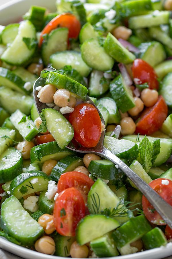 Cucumber Salad | thecozyapron.com