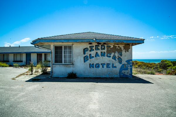 Piedras Blancas Motel | thecozyapron.com