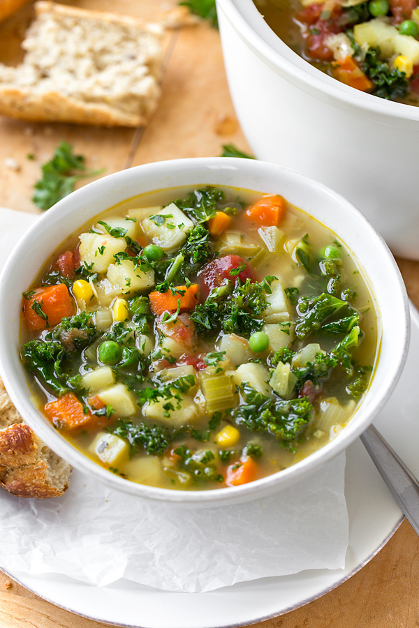 Vegetable Soup | thecozyapron.com