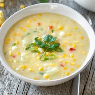 Corn Chowder | thecozyapron.com