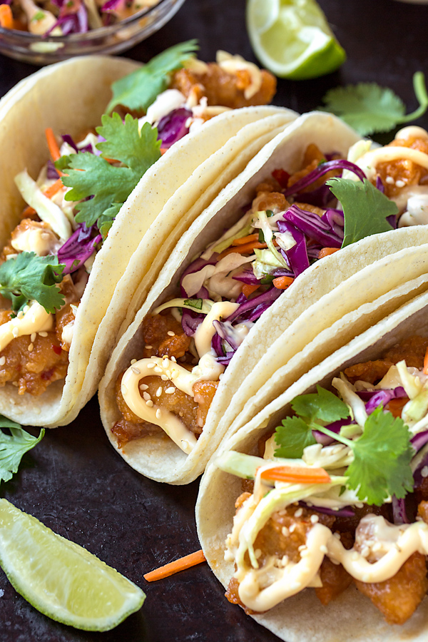 General Tsos Chicken Tacos | thecozyapron.com