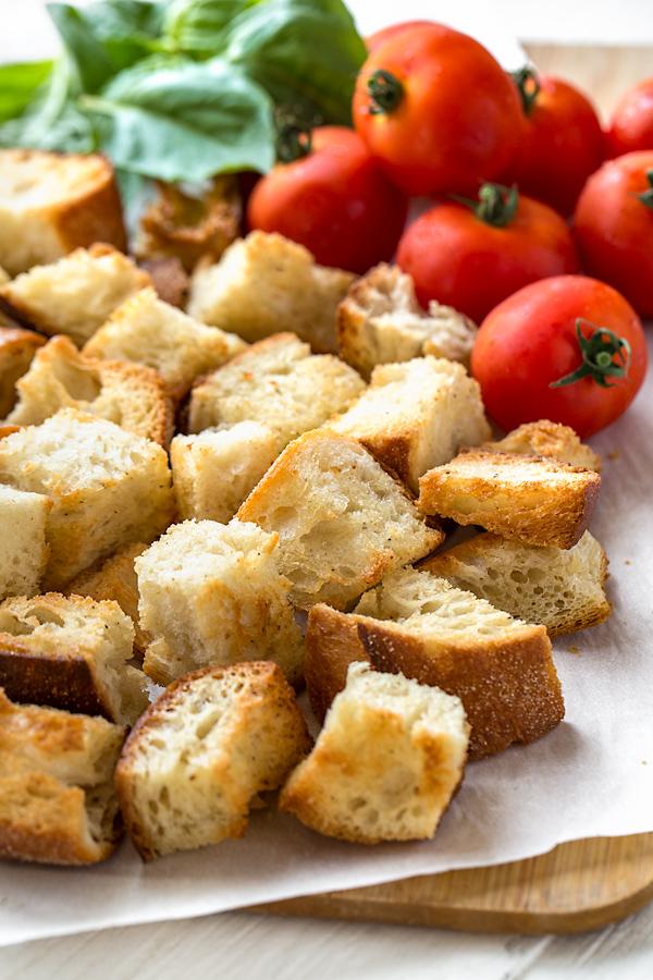Panzanella Ingredients | thecozyapron.com