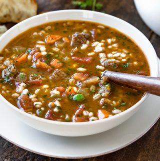 Beef Barley Soup | thecozyapron.com