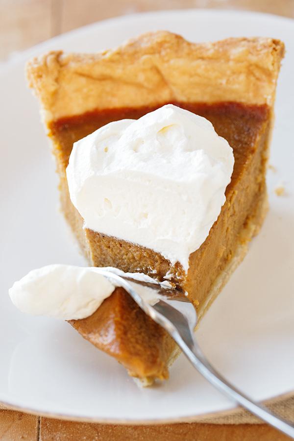 Pumpkin Pie | thecozyapron.com