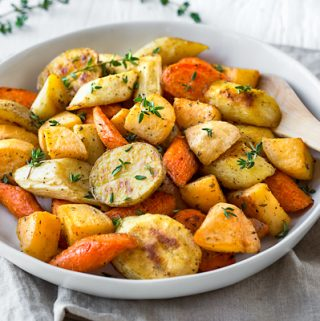 Roasted Vegetables | thecozyapron.com