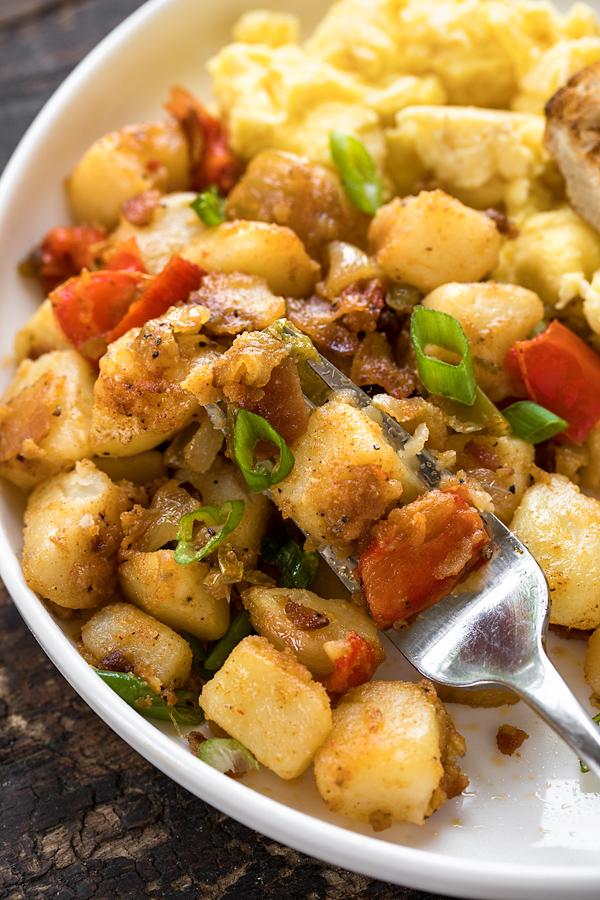Breakfast Potatoes | thecozyapron.com