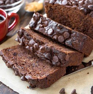 Chocolate Banana Bread | thecozyapron.com