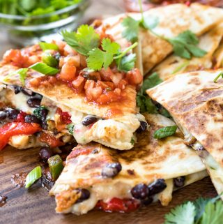 Chicken Quesadillas | thecozyapron.com