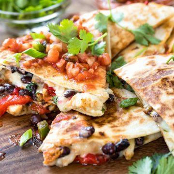 Chicken Quesadillas | thecozyapron.com