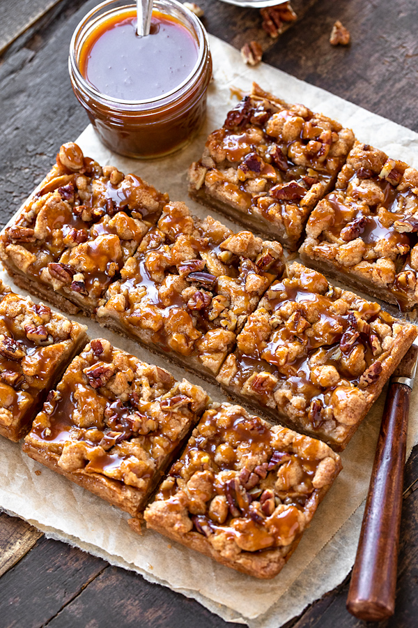 Caramel Apple Pie Bars | thecozyapron.com