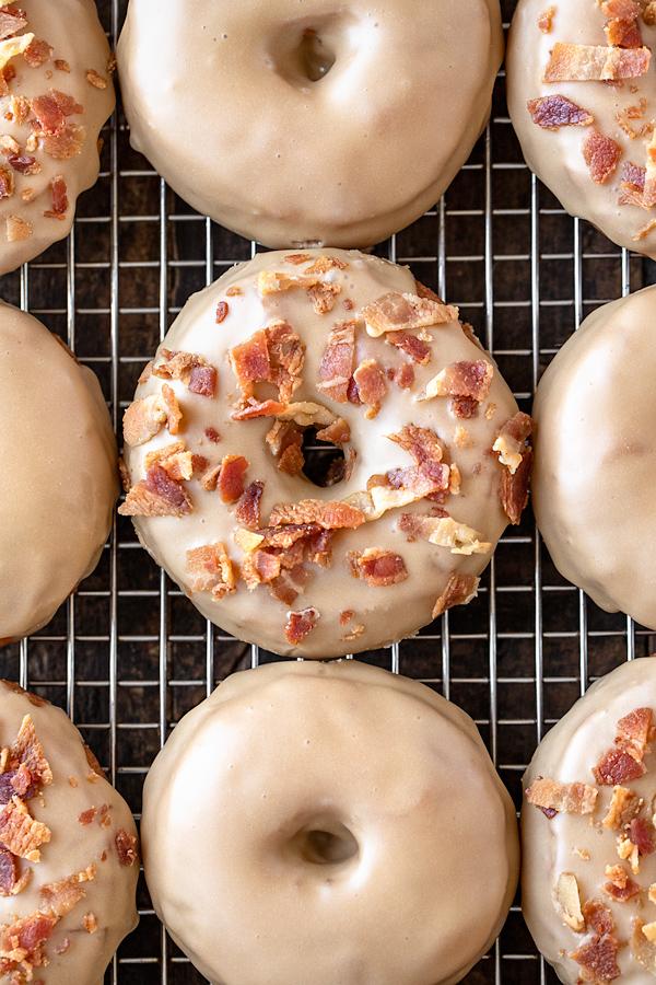 Maple Donuts | thecozyapron.com
