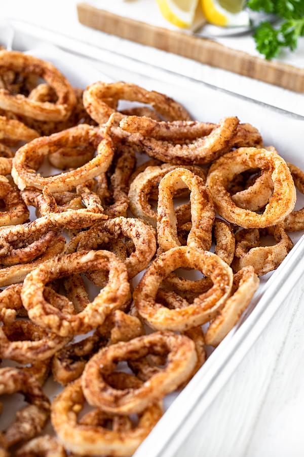 Fried Calamari | thecozyapron.com