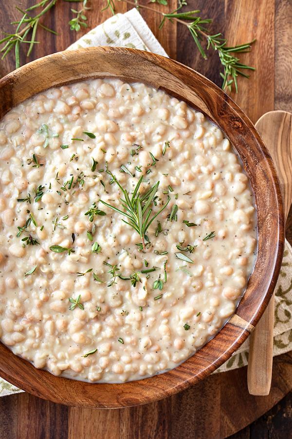 White Beans Recipe | thecozyapron.com