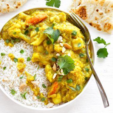 Cauliflower Curry | thecozyapron.com