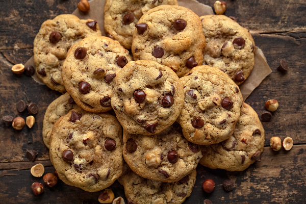 Chocolate Chip Cookies with Roasted Hazelnuts