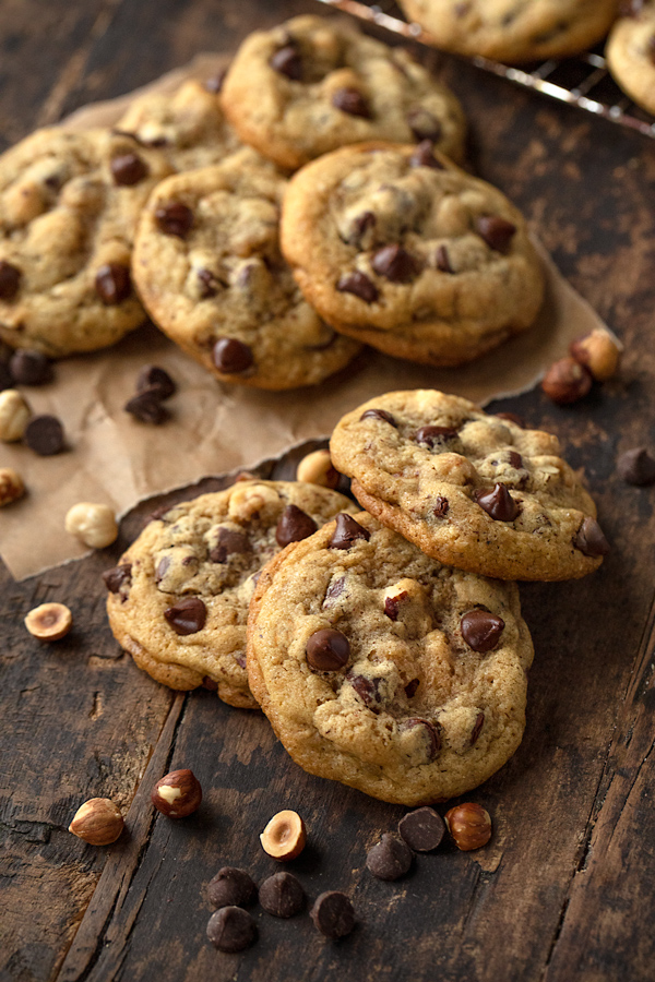 Chocolate Chip Cookies with Roasted Hazelnuts | thecozyapron.com