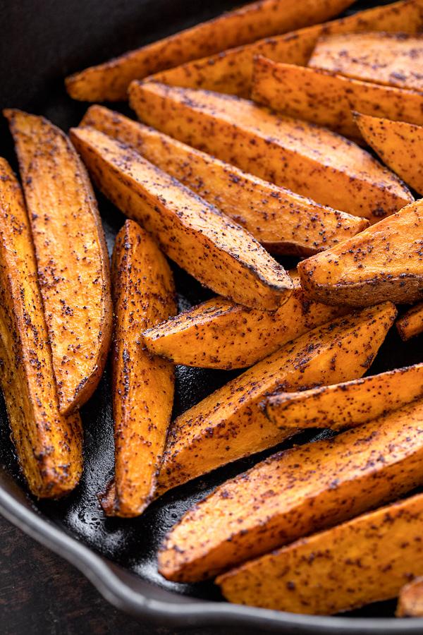 Baked Sweet Potato Fries | thecozyapron.com