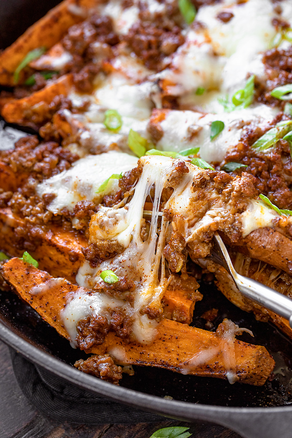 Baked Sweet Potato Fries with Chili Cheese | thecozyapron.com