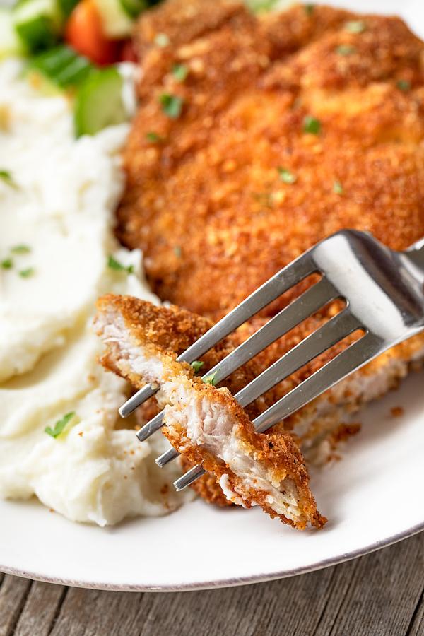 Fried Pork Chops | thecozyapron.com