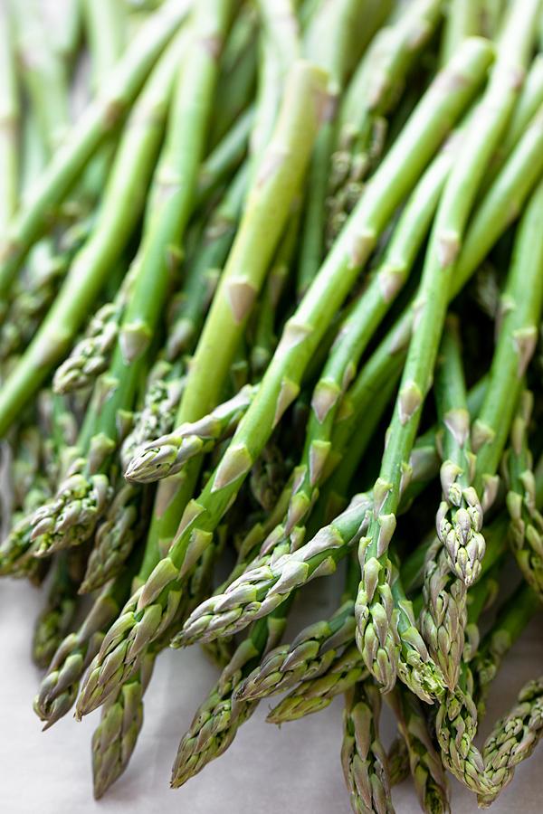 Fresh Asparagus for Asparagus Soup | thecozyapron.com