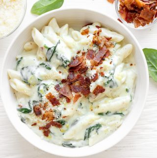 Penne Pasta with Spinach Cream Sauce | thecozyapron.com