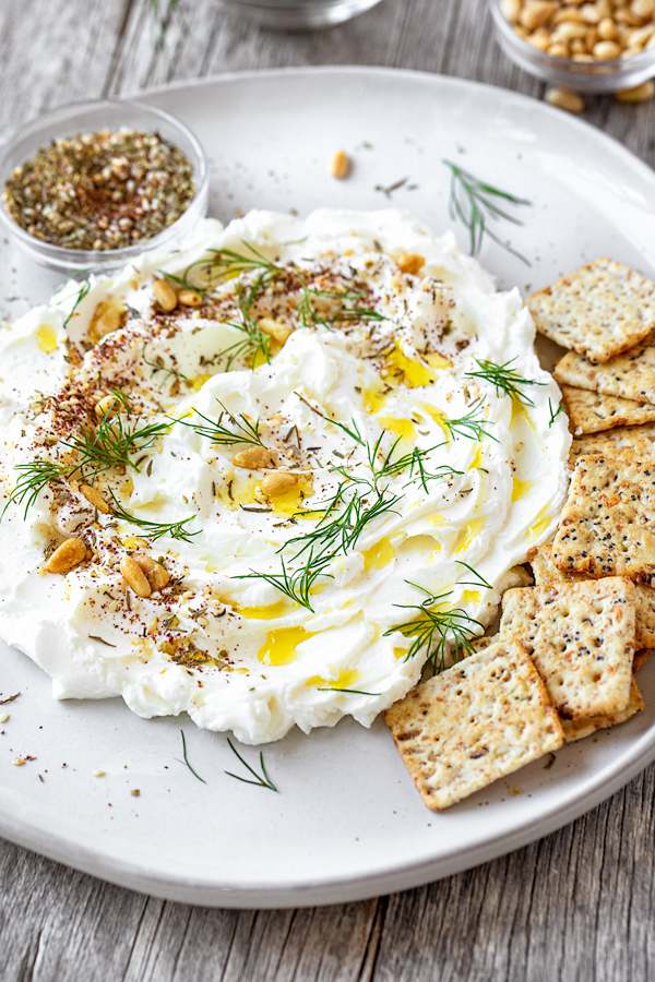 Labneh with Crackers | thecozyapron.com