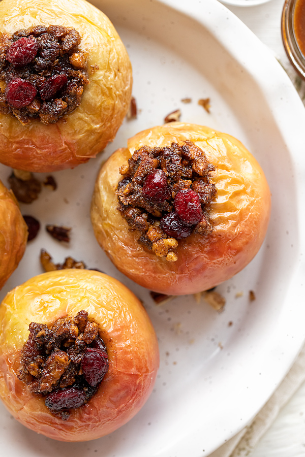 Baked Apples with Cranberry Nut Crumble | thecozyapron.com